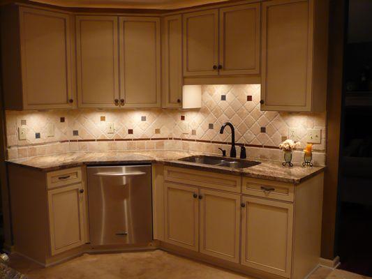 Kraftmaid biscotti cabinets cocoa glaze 770 489 8198 for Cocoa cabinets