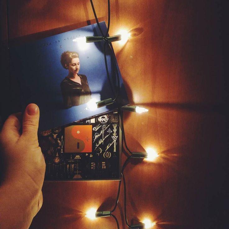 Eefje en Justin. Van le moi voor le moi. #kerstpret #eefjedevisser #boniver #nachtlicht #22amillion