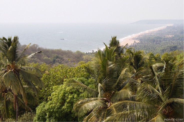 Travelexperiences from Goa in Finnish.  In the photo the beaches of North Goa from Candolim to Baga.