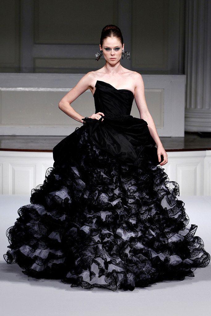 97 best Oscar de la Renta images on Pinterest | Fashion show, High ...