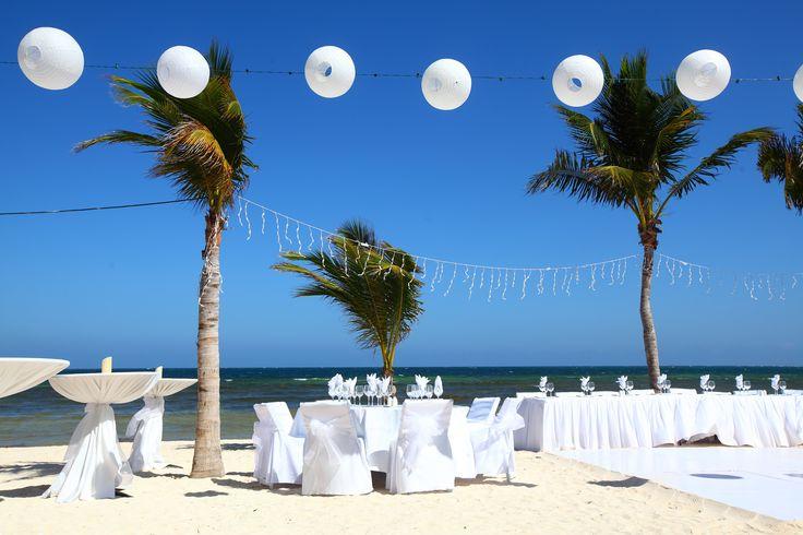 Beautiful wedding setup on the beach by Yana Bukharova on 500px