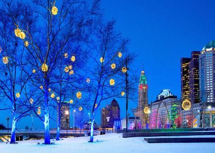 Why you should visit Columbus, Ohio for beautiful holiday lights: http://www.midwestliving.com/travel/ohio/columbus-ohio/city-of-lights-columbus-ohio/