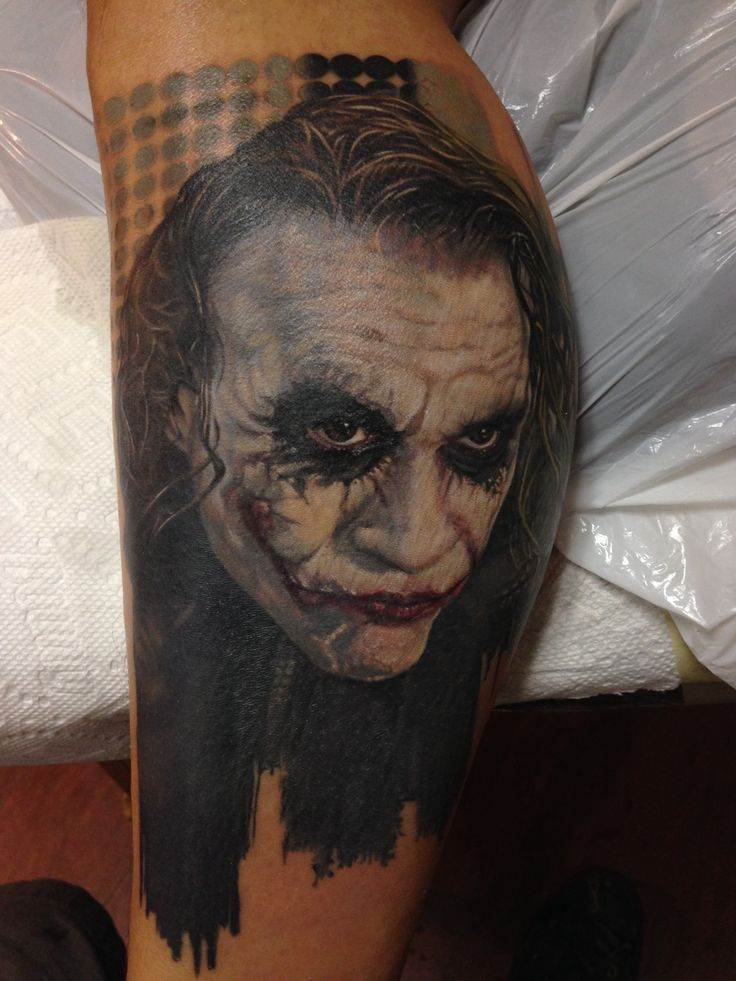 This Heath ledger Joker Tattoo from The Dark Knight movie was done by Jose Sandroz of Magik 5 Tattoo Shop in Oakland Park Florida. To see more of his work follow him on Instagram @josesandroz and @magik5tattoo.