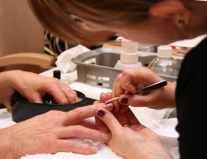 Здоровые ногти: всё об уходе и восстановлении ногтевой пластины