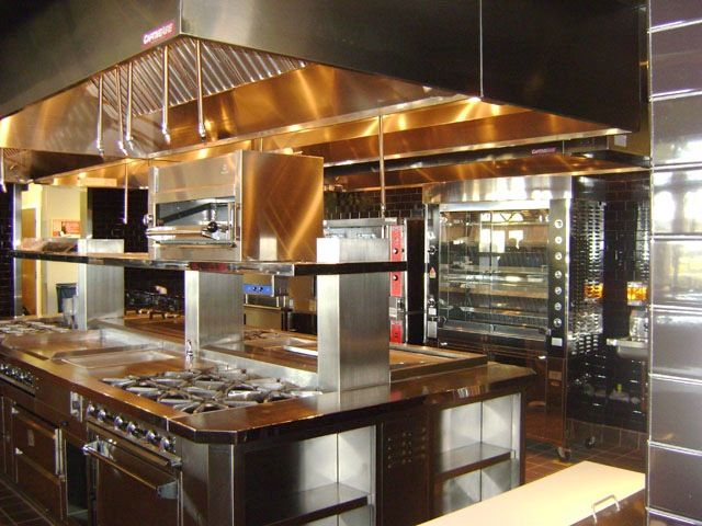 www.stainlesssteeltile.com likes this commercial kitchen design for resturants- Met #LED verlichting is jouw fantasie de grens van het mogelijke www.led-verlichting.org