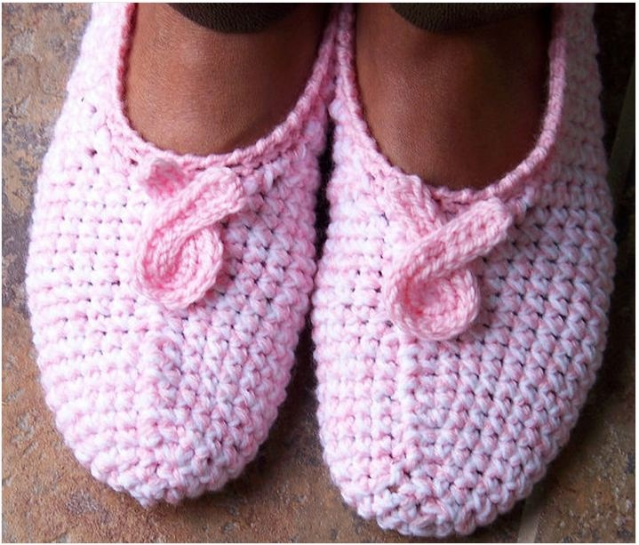 Breast Cancer Awareness Ribbon slippers - *Inspiration* You could use any slipper pattern you like in pink, of course, just add the ribbon