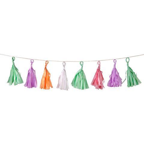 Guirlande med kvaster til dekoration af den personlige fest.