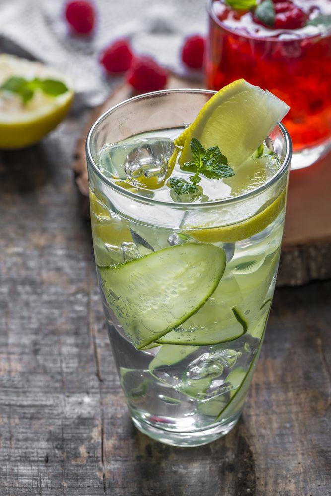 Una rica bebida de tequila con refresco ginger ale.