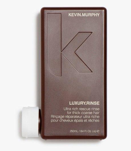#LuxuryRinse 250 ML.   Dik & stug haar Rijke conditioner voor dik en stug haar dat gekalmeerd moet worden. LUXURY.RINSE is speciaal gemaakt voor haar dat dik en grof is. De conditioner maakt het haar soepel en daardoor flexibel. Kukui noten olie behandelt en herstelt beschadigd en uitgedroogd haar, en murumuru butter zorgt voor extra glans. #KevinMurphy #Kevin #Murphy #LintsenKappers #Lintsen #Kappers