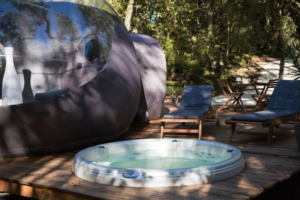 Sejour A La Belle Etoile Chrysalide St Martin A Nerac Outdoor Hot Tub Outdoor Decor