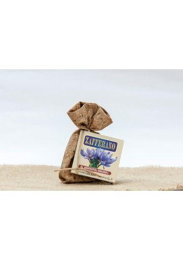 #Zafferano sardo BIOLOGICO in stimmi prodotto dall'Azienda Agricola Serconi di Mamoiada (NU), venduto in confezioni di tessuto di sughero da 0,3 gr. o 0,5 gr. http://www.cuordisardegna.com/it/zafferano-sardo/122-zafferano-serconi-bio-in-tessuto.html