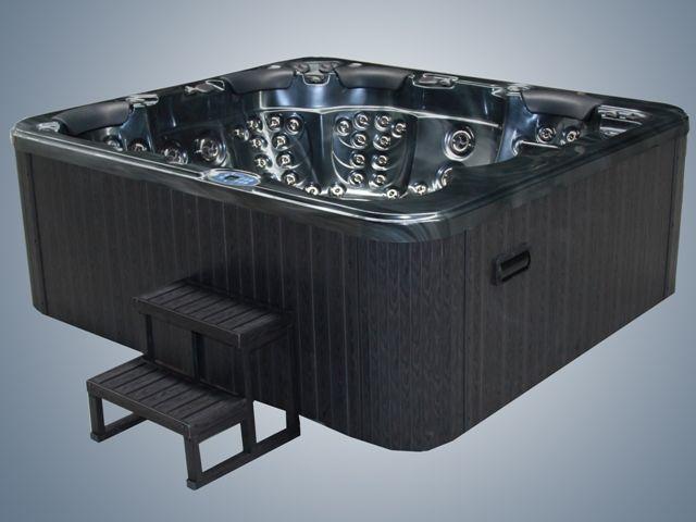 Emperor Hot tubs view inhttp://www.hottubsuppliers.com/