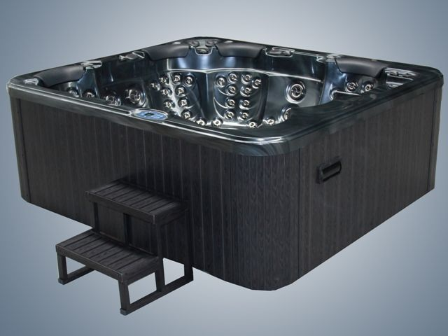 Emperor Hot tubs view inhttp://www.hottubsuppliers.com/