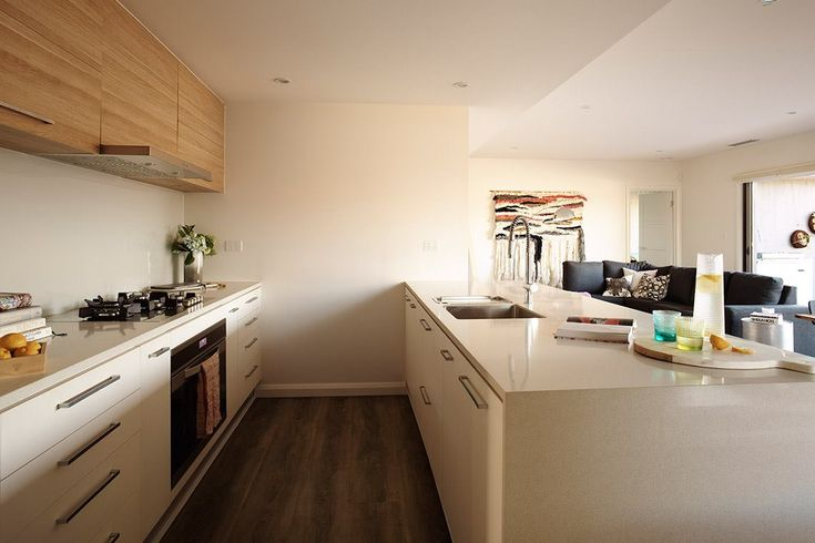 polytec RAVINE Natural Oak and LEGATO Bone White - Sleek stylish kitchen with timber highlights