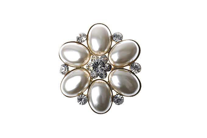 Broches Majique Diametre 5 cm Detail fleur  Perles et pierres cristal Finition dorée http://www.majiquejewellery.fr/pearl-fashion-jewellery/brooch/25157pn-agld-57198.aspx