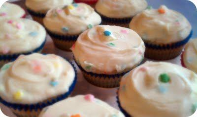 Homemade Funfetti Cupcakes (from scratch): Cakes Mixed, Happy Birthday, Birthday Treats, Cupcake Recipe, Life Simple, Funfetti Cupcake, Homemade Funfetti, Vanilla Cupcake, Simple Measuring