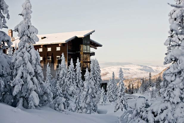 Resting on the top of Sweden's picturesque Mount Förberget is Copperhill Mountain Lodge. Architect Peter Bohlin's design and the familiarity of a mom-and-pop operation combine at this gem in Sweden's snowy mountains. The hotel's 112 earth-toned guestrooms feel luxurious and invitingly private. Åre is Scandinavia's largest winter sport destination, and at Copperhill Mountain Lodge, guests will experience all the region has to offer, with complimentary guided activities such as snowshoeing…
