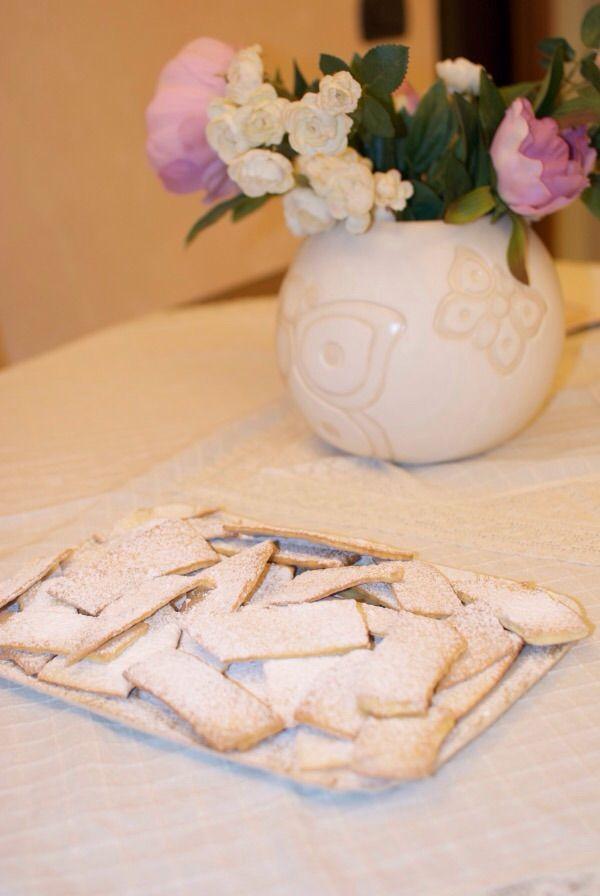 Frappe al forno, un dolce tipico di carnevale in chiave più leggera e casalingaper festeggiare il Carnevale