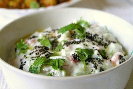 Raita to bardzo nietypowa potrawa kuchni indyjskiej