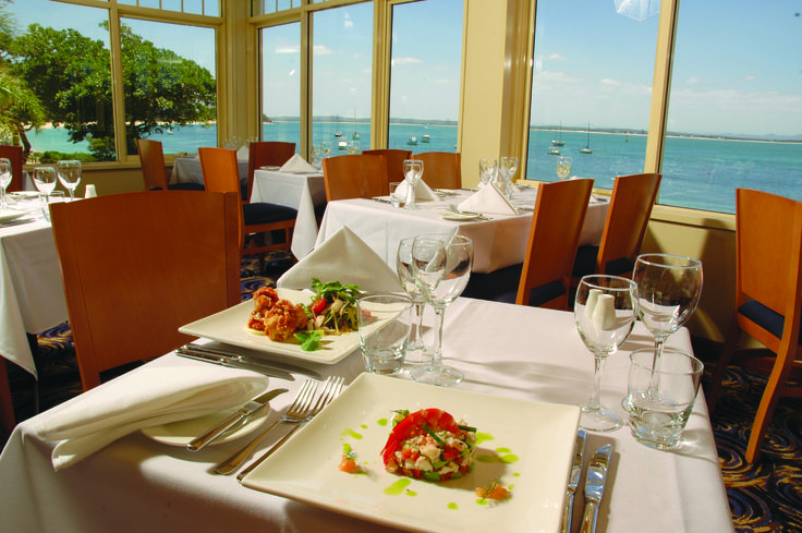 Ramada Shoal Bay boasts four onsite eateries as well as licensed venues offering live entertainment. From the superb local seafood at Catch at Shoal Bay to the casual alfresco dining at Sandyfoot Café and Bar, there is truly something here to suit all tastes!
