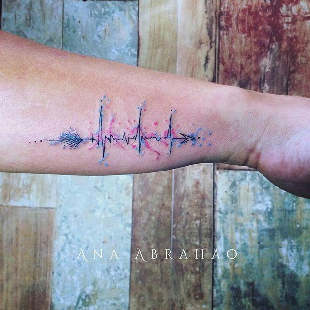 """Tatuagem feita por <a href=""""http://instagram.com/abrahaoana"""">@abrahaoana</a>❤️ S A M U """"Para quem trabalha salvando vidas, cada segundo é valioso, cada batimento é vital, a correria presente, e cada sobrevivente uma benção!"""" Entre em contato por AnaAbrahaoink@gmail.com =) Acompanhe a Ana no instagram❤️❤️❤️❤️"""