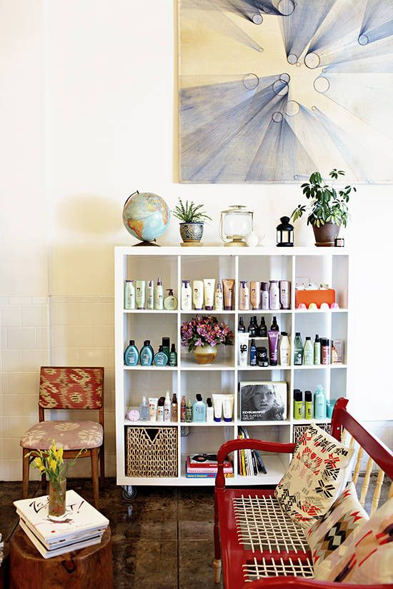 cute waiting area for a small salon - Beauty Salon Interior Design Ideas