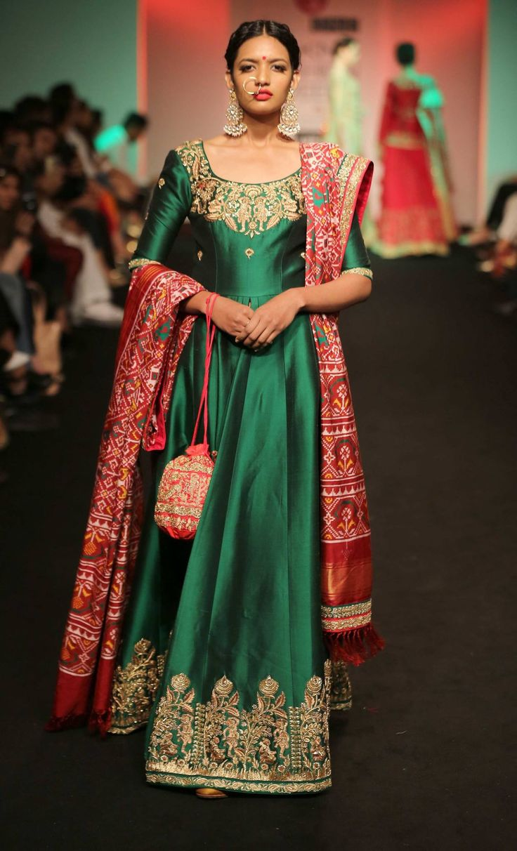 Lakme Fashion Week - Autumn Winter 16 - Saroj Jalan - Look 10 Picture: Lakme Fashion Week Facebook Page
