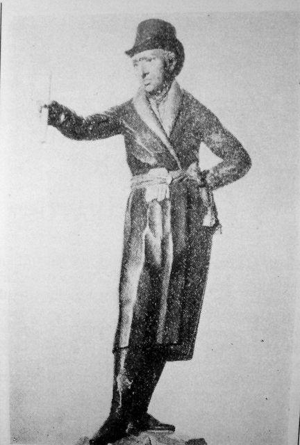 Cabezas de Aguila: Dos estatuas de Miguel Hidalgo que mantienen su movilidad, una de ellas en Pénjamo.