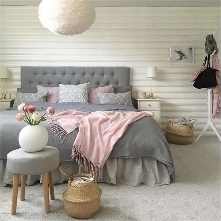 Nice 59 White and Grey Master Bedroom Decor that Inspire http://toparchitecture.net/2017/12/26/59-white-grey-master-bedroom-decor-inspire/