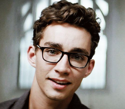 hi there robert sheehan♥