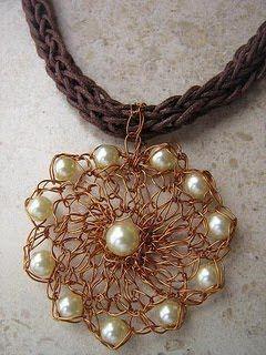 Roberta Crochê e Cia: Peças de crochê feito com fios de cobre