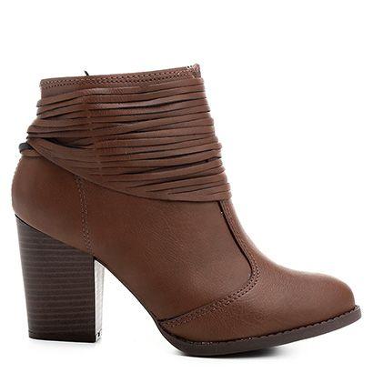 Compre Bota Cano Baixo Moleca Salto Grosso Feminina Caramelo na Zattini a nova loja de moda online da Netshoes. Encontre Sapatos, Sandálias, Bolsas e Acessórios. Clique e Confira!