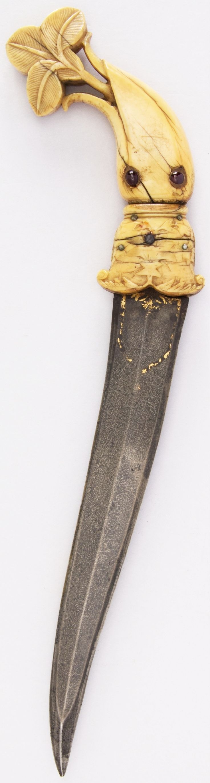Indian khanjar, 18th century, wootz steel blade, ivory, gemstone, gold, H. 13 13/16 in. (35.1 cm); H. of blade 8 7/8 in. (22.5 cm); W. 4 in. (10.2 cm); Wt. 8.5 oz. (241 g), Met Museum, Bequest of George C. Stone, 1935.
