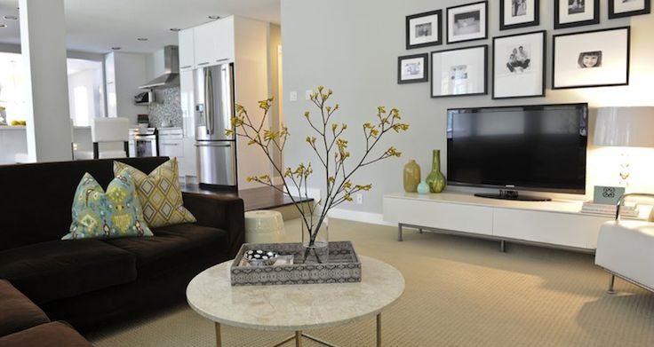 Want our tv/tv console wall to look like this: Johnson Interiors, Living Rooms, Livingroom Tv Wall, Livingroom Color, Design Interiors, Interiors Design, Families Rooms, Andrea Johnson Design, Design Andrea