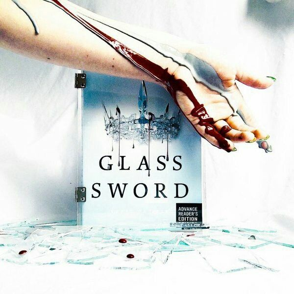Glass Sword (Red Queen) by Victoria Aveyard (2016, Hardcover) SIGNED 1st/1st