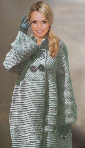 Пальто, связанное спицами - фото