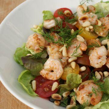Zomerse salade met knoflookgarnalen  http://zonderzooi.com/2014/06/08/zomerse-salade-met-garnalen/