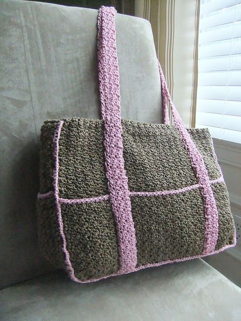 Crochet Bag With Pockets Pattern : 25+ Best Ideas about Crochet Diaper Bag on Pinterest ...