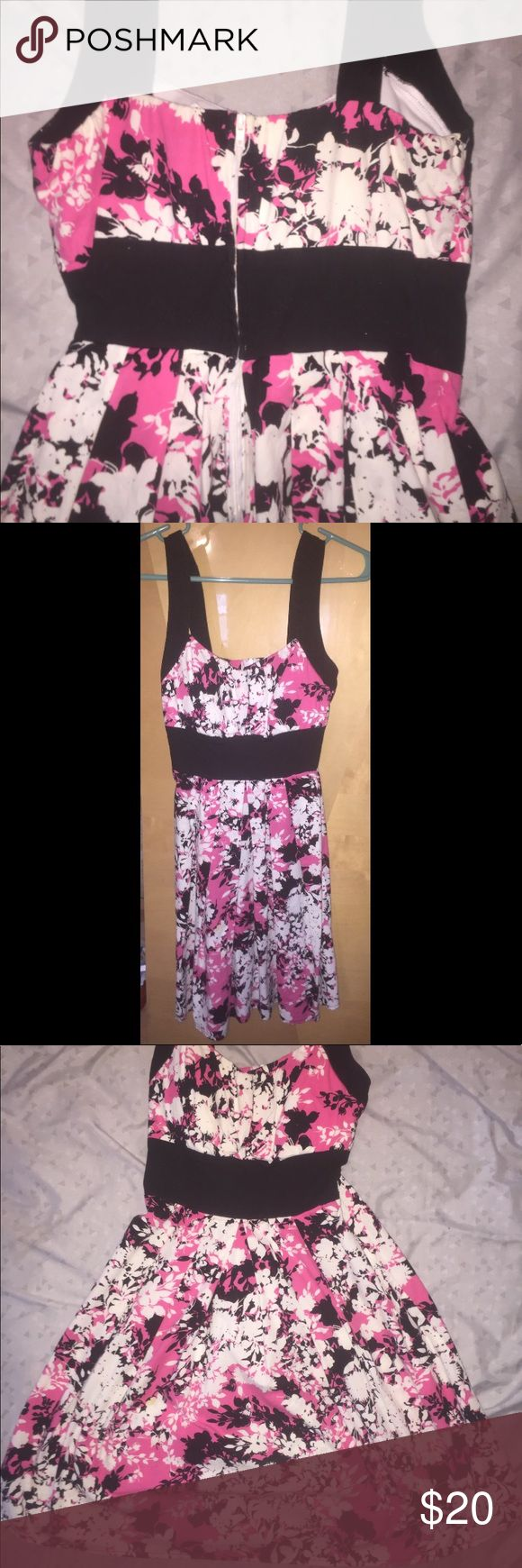 Pink floral dress Adorable dress - perfect for special occasions, church, or date night! Pair it with a pair of heels to dress it up or black sandals to dress it down. Size 5/6, perfect condition B. Smart Dresses Mini