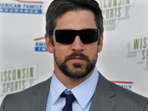 Aaron Rodgers got himself a new deal!   http://www.totalpackers.com/2013/04/26/aaron-rodgers-has-a-new-contract/
