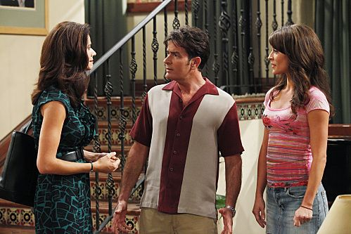Charlie Sheen, Jennifer Taylor, and Emmanuelle Vaugier in Two and a Half Men (2003)