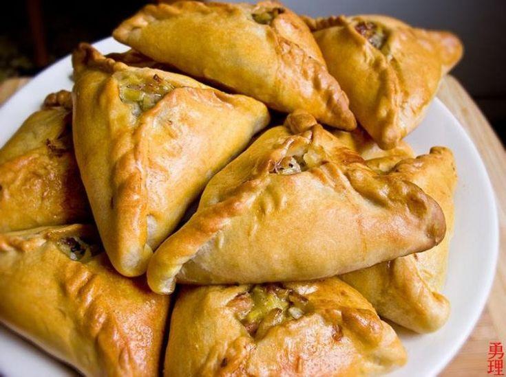 Кулинарные традиции татарской кухни складывались не одно столетие. Народ бережно хранит секреты национальных блюд, передавая их из поколения в поколение.