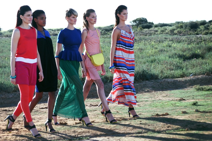 Strutting on a dusty road - models wearing SARIE.com clothes for our TV-ad.