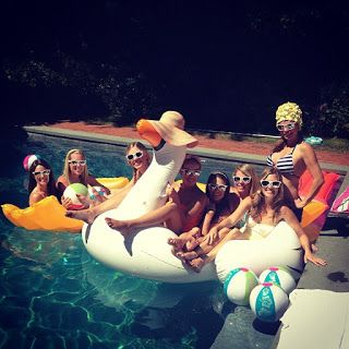 Bachelorette Week: How To Throw A Retro Themed Pool Party