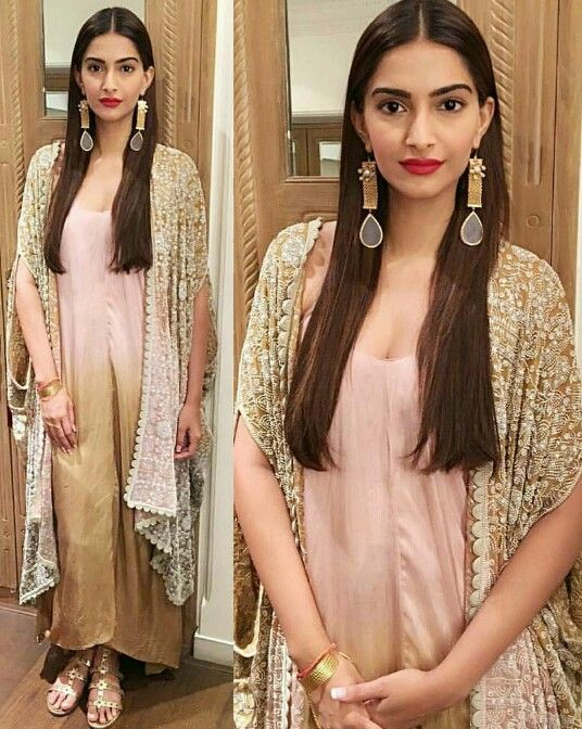 Sonam Kapoor wearing Anamika Khanna for her movie Prem Ratan Dhan Paayo Premiere