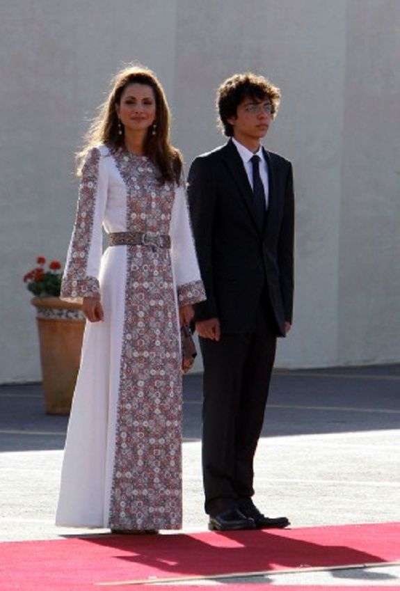 Jordan's Queen Rania (L) and her son Jordanian Crown Prince Al-Hussein at the Jordan independent day ceremony in Amman in 2011