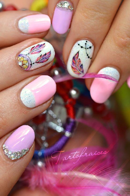 nail art attrape reves dreamcatcher pastel