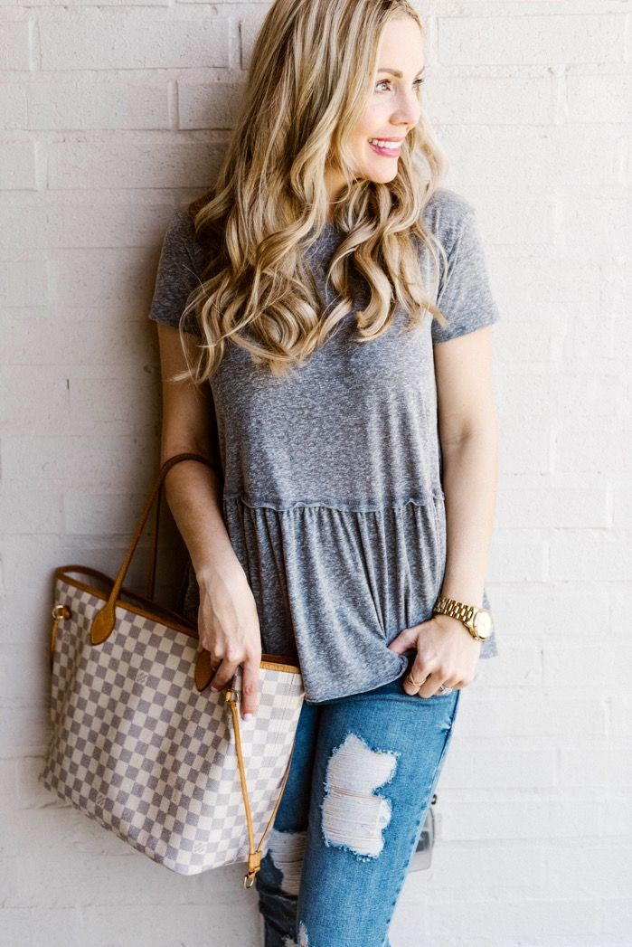 Distressed Jeans Outfits for Spring