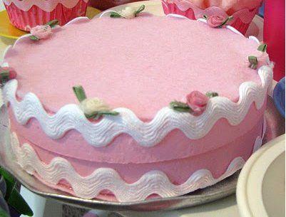 Felt cake tutorial with styrofoam circles, ric-rac, and silk flowers