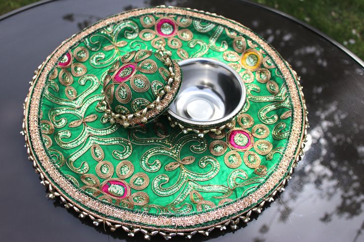 Green Mehendi / Mendhi Thaal Sagan Maiyaan Thali Embroidered Decorated Large Plate Indian Pakistani Weddings Shagun